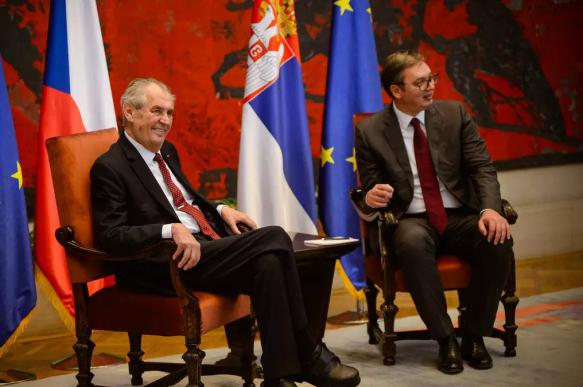 Президент Чехии пообещал сербам денонсацию признания Косова