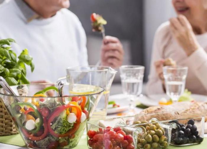 Онколог: чтобы избежать рака желудка, нужно правильно питаться
