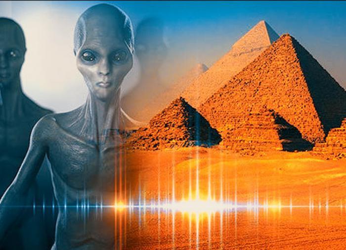 """Сергей Сухинов: """"Инопланетные плазмоиды подарили нам пирамиды"""""""