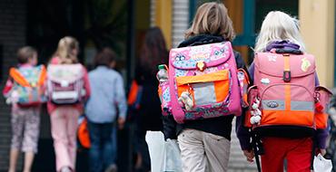 Каждый год сиротами становятся 8 тысяч российских детей