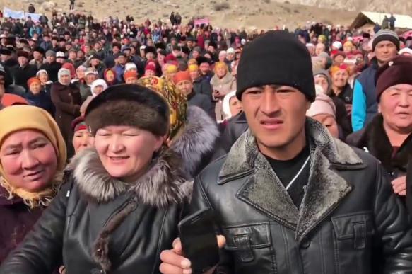 Жители неспокойной Киргизии активно интересуются жильем в России