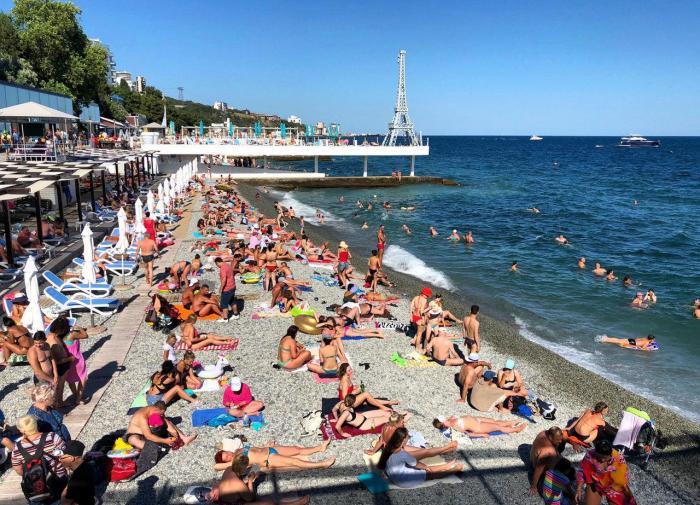 Россиянам вернут по 15000 рублей за отдых на курортах России