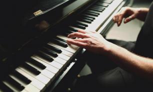 Посещение музыкальных кружков повышает успеваемость в школе - американские психологи