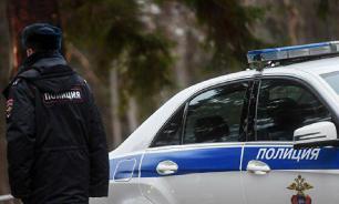 В Москве женщина заперлась в квартире и угрожает ребенку