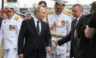 Путин передал записку ветерану на открытии мемориала во Ржеве