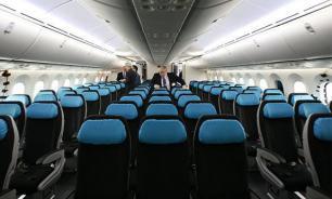 В Самаре экстренно сел самолет с умершей пассажиркой