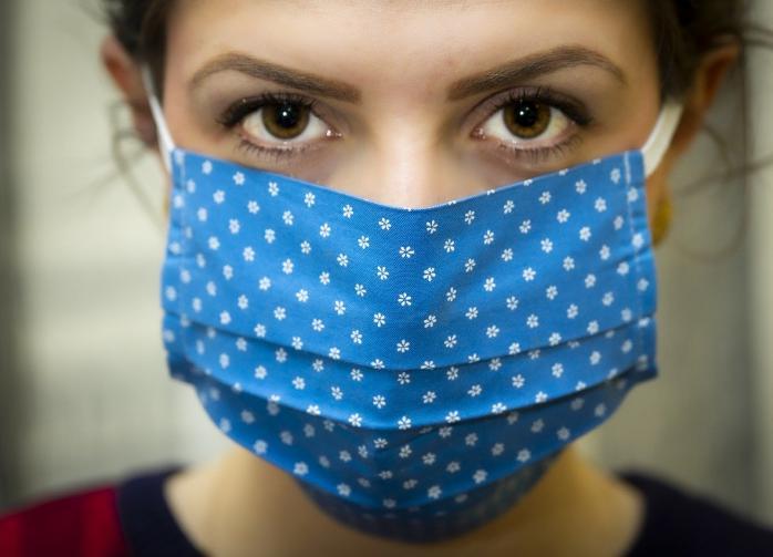 Врач рассказала, как выбирать и носить многоразовые маски