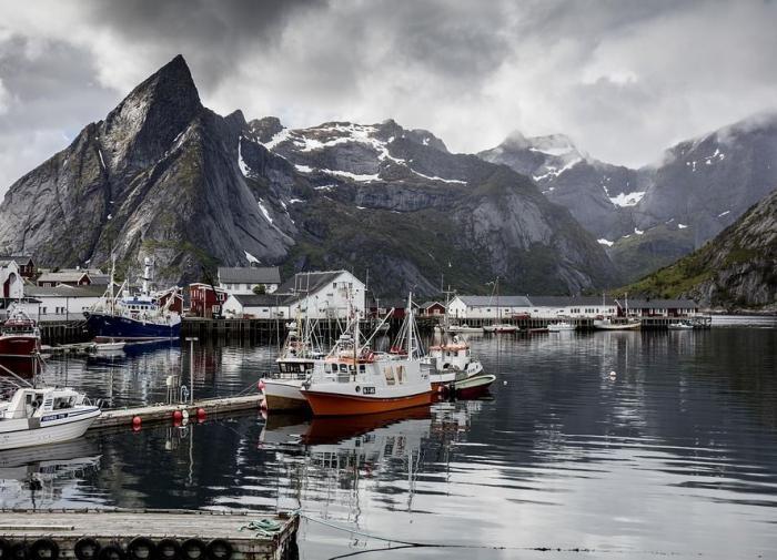 Норвегия заподозрила Россию и Китай в шпионаже за нефтяным сектором