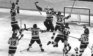 Матч НХЛ был прерван из-за потери сознания хоккеистом