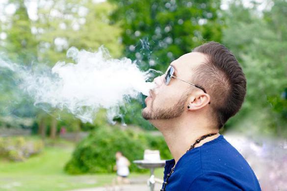 В США зафиксирована первая смерть от курения вейпа