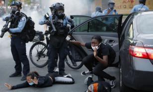 Полиция Британии поддержала протестующих в США