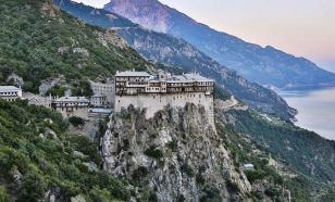 Греческую гору Афон закрыли для паломников