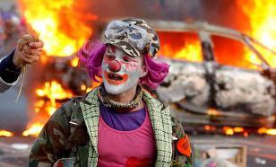 "Россиян пугают английскими ""клоунами-убийцами"""