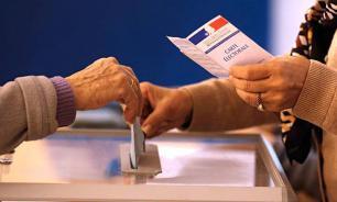 Французы отдают голоса за Макрона и Ле Пен