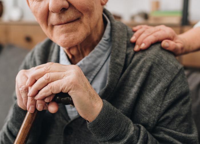 В Алтайском крае пенсионерку задушила в объятиях подруга