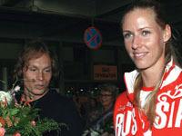 Елена Дементьева и Максим Афиногенов решили узаконить свои отношения.