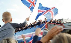 Исландия: Встретить сборную по футболу вышло полстраны