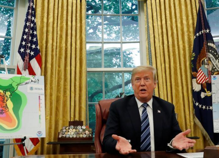 Трамп убеждён: карантин хуже самого коронавируса