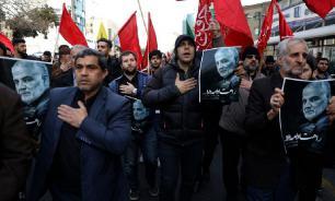 32 человека погибли в давке на похоронах Сулеймани