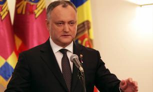 Додон: следует чтить память об освобождавших Молдавию от фашизма воинах