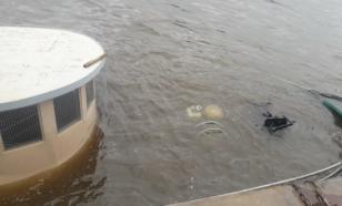 Дизельное топливо попало в Москву-реку
