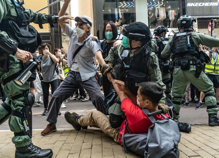 """Китай возмущён: США """"пригрели"""" у себя гонконгских оппозиционеров"""