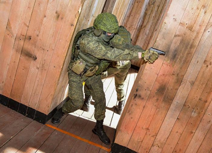 Военные освободили заложников, удерживаемых условными террористами