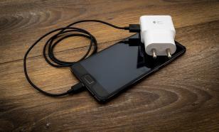 Причины, почему нельзя пользоваться чужой зарядкой для телефона