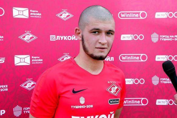 Футболист Гулиев, сломавший нос американцу, обратился к болельщикам