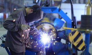 Российская обрабатывающая отрасль рекордно обвалилась