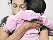 Младенец чудом выжил возле тела матери