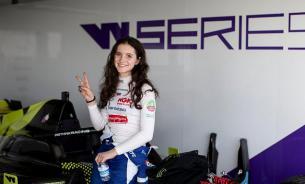 Школьница из Петрозаводска стала участницей женской Формулы-1