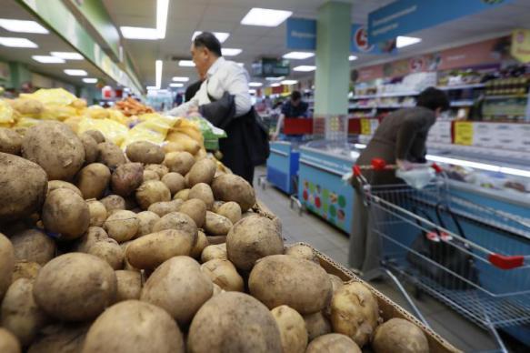 Специалисты связали низкое потребление картофеля с разнообразием еды