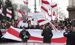 Майдан 2.0: националисты протестуют у российского посольства в Минске