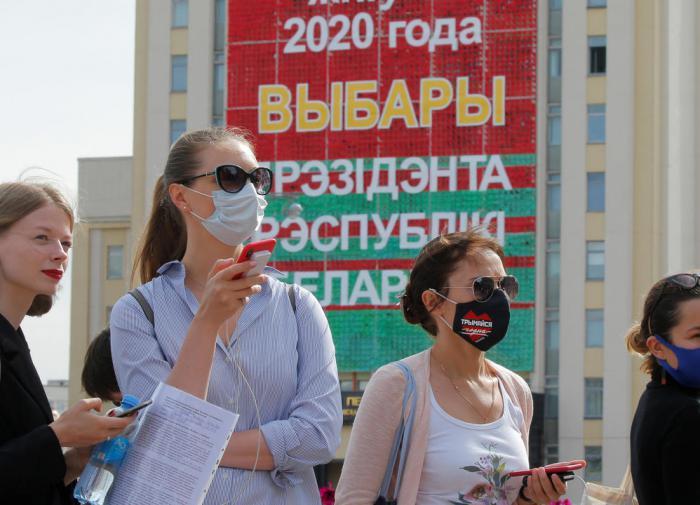 Владимир Зотов рассказал, какой сценарий разыгрывает Запад в Белоруссии