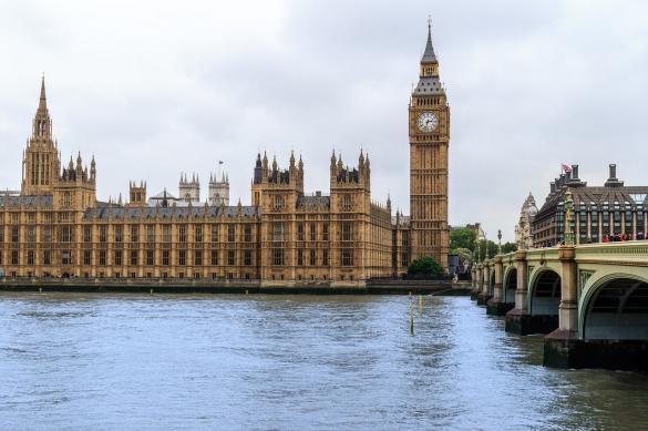 В Великобритании число зараженных COVID-19 превысило 200 тыс. человек