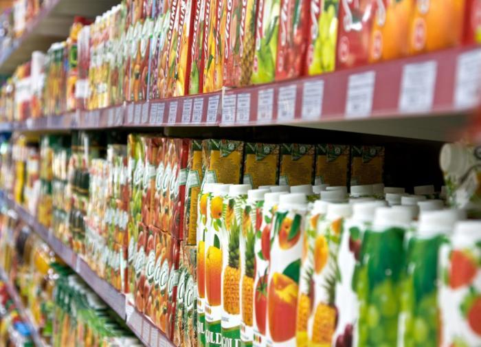 Диетолог предупредила об опасности употребления магазинных соков