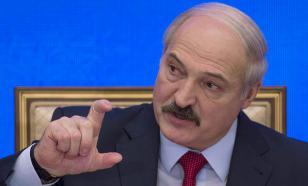 """Лукашенко заявил об отсутствии патриотизма у белорусских """"мужиков"""""""