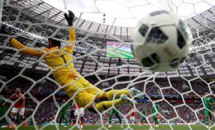 Парагвайский вратарь забил нелепый автогол после глупой ошибки