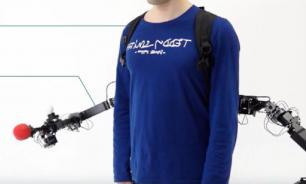 Инженеры разработали носимые программируемые роборуки