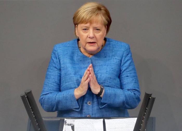 """Меркель - о коронавирусе: """"Есть свет в конце тоннеля"""""""