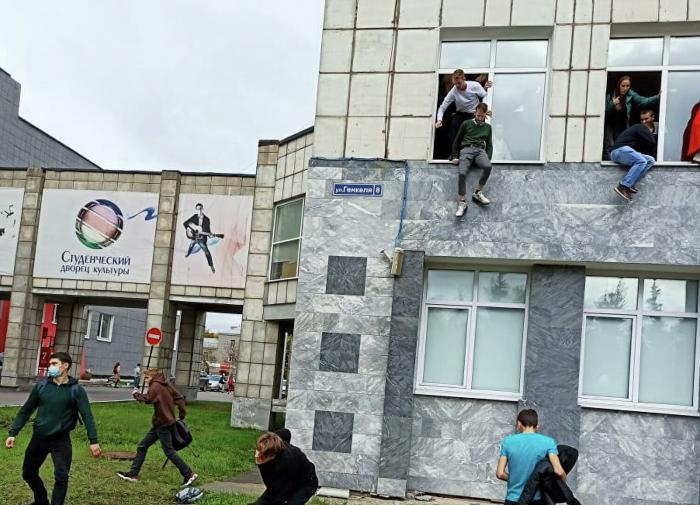 """""""В голове что-то замкнуло"""": экс-генерал ФСБ рассказал о пермском стрелке"""