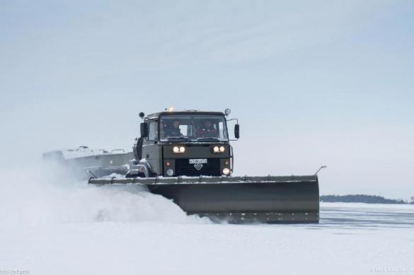Весенним снегопадом занесло Южный Урал
