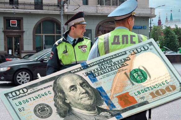 За нарушение ПДД автолюбителю выписали штраф 210 тысяч рублей