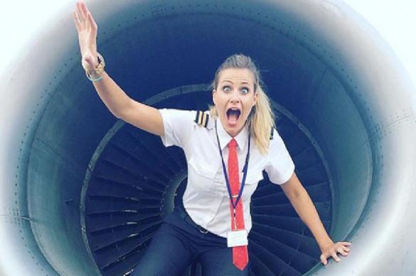 Аэрофобка стала пилотом для преодоления боязни летать