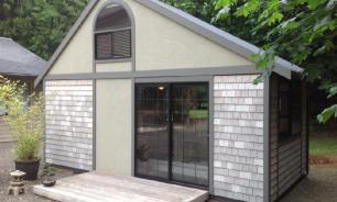 Маленький и уютный дом: обычный парень построил его своими руками
