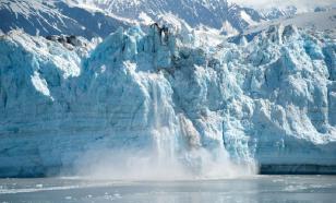 На севере Красноярского края во льдах застряли семь судов