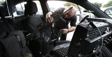 В Бристоле при разгоне праздновавших смерть Тэтчер ранены 6 полицейских
