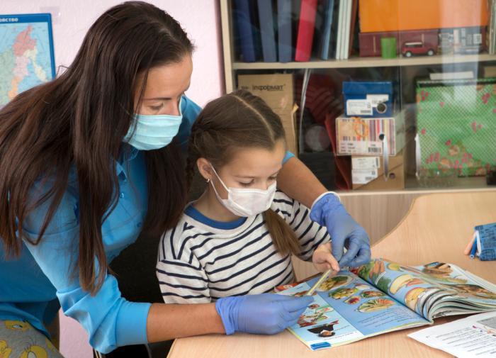 В Роспотребнадзоре назвали способ уберечь детей от COVID-19