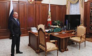 Песков рассказал, что за портрет лежит у Путина в кабинете